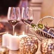 Weingläser mit südafrikanischem Wein
